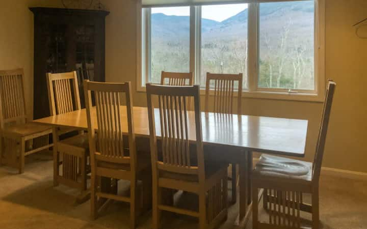 3BR Luxury Condo at Smugglers' Notch w/ hot tub