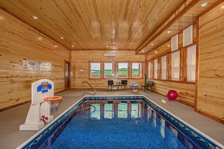 New Construction Luxury Cabin-Private Indoor Pool