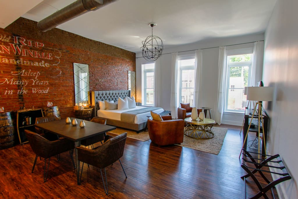 Fully renovated studio loft in the heart of Nulu
