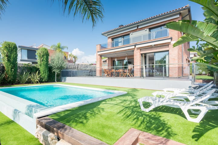 OP HomeHolidaysRentals Adonis - Costa Barcelona