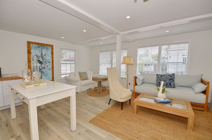 Charming carriage house! - Delray Beach - Apartment