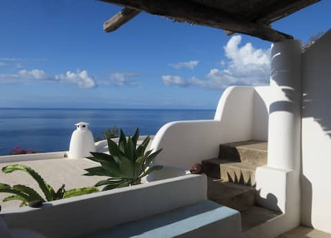 Paradise villa in Filicudi with amazing sea view
