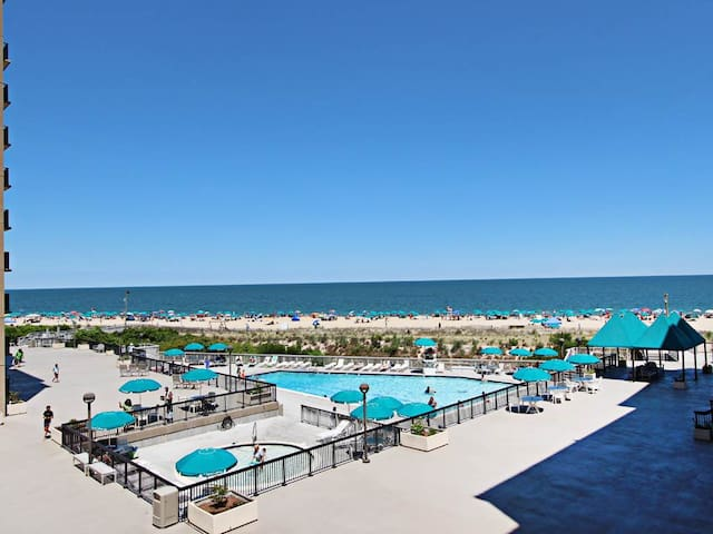 I312: 3BR Sea Colony oceanfront condo! Private beach, pools, tennis ...