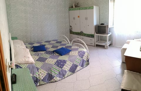 Rum i lägenhet väl anslutet