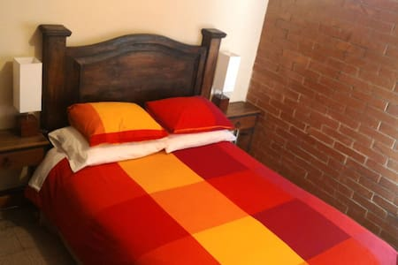 Preciosa y acojedora casa en Xela - Quetzaltenango - บ้าน