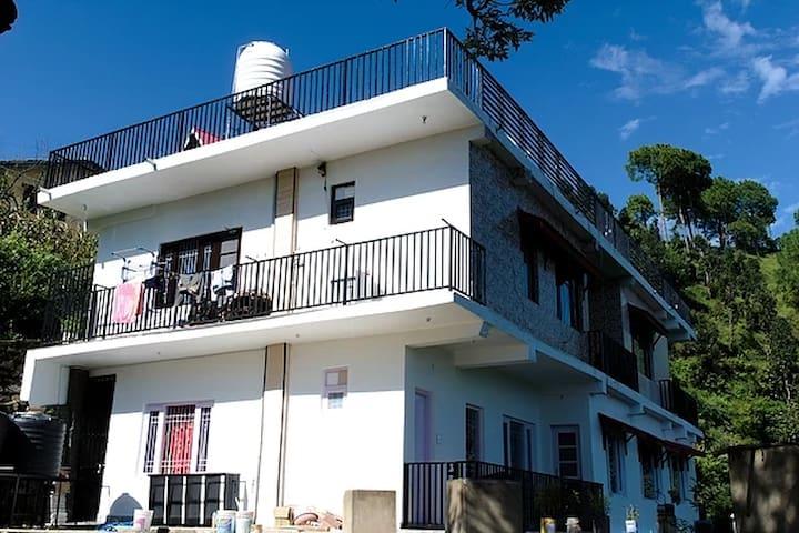 Sunny Hills Homestay - All 4 Rooms