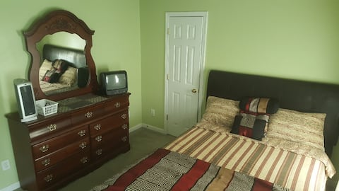 Peaceful Traditional - Bedroom 2