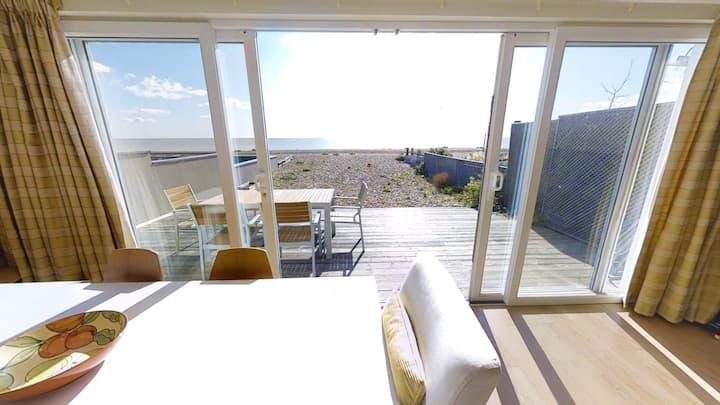 Pevensey Beach Retreat for 8 ON the beach