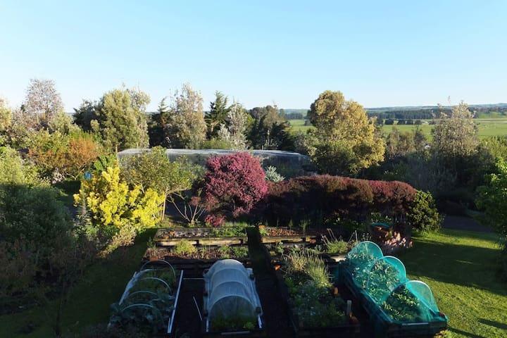 Waiata Gardens Organic Garden Retreat