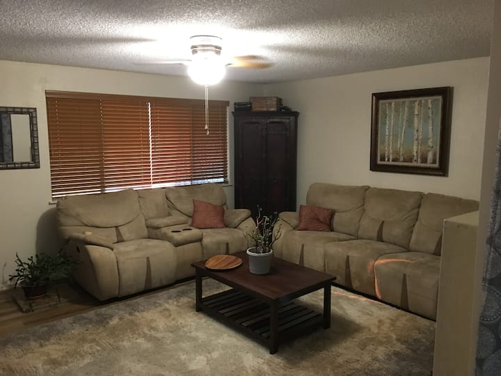 Grants Pass Towney Townhouse