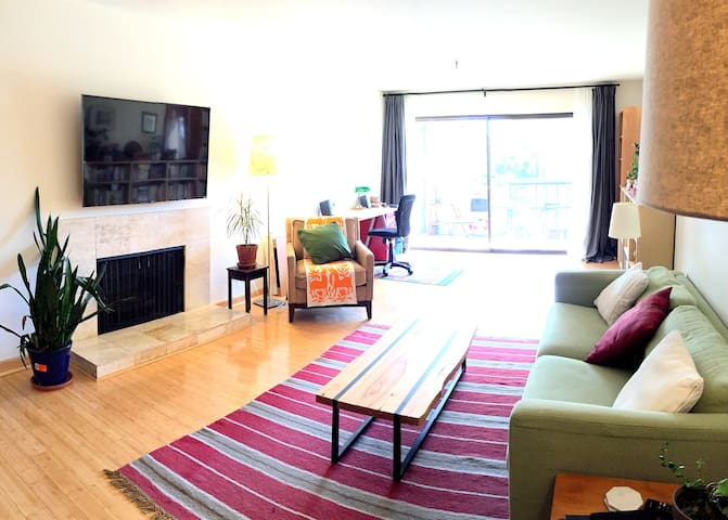 Modern Lake Merritt Retreat--1 Bedroom & parking