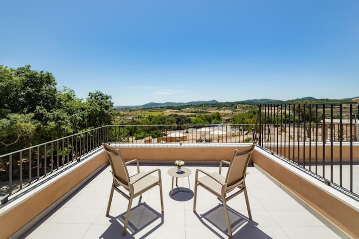 Double room with terrace in cozy Agroturismo Ses Vistes