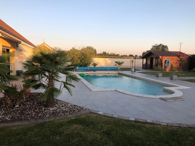Accommodation with shower, kitchen, swimming pool