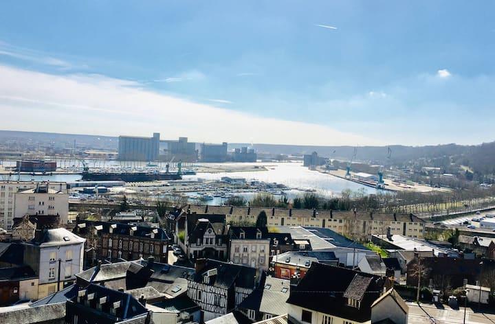 Rouen : Vue panoramique sur la seine avec parking
