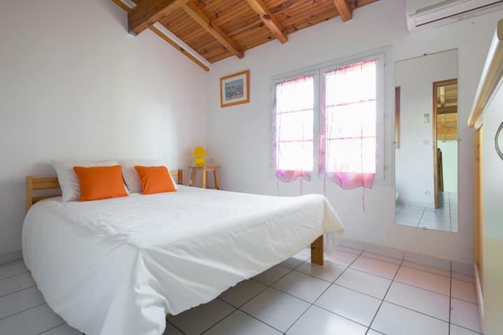 Maison 2 chambres+mezzanine+climatisation +piscine