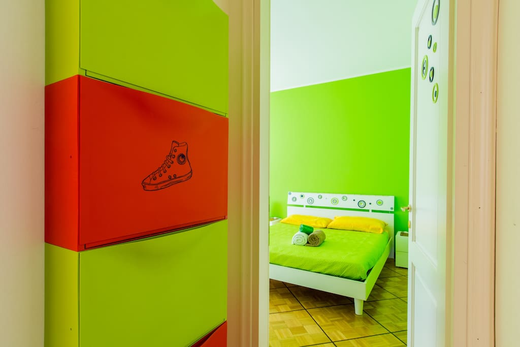 large room, size 30 square meters
