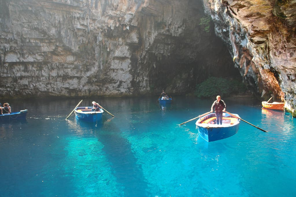 Just 500m  from Melissani cave.