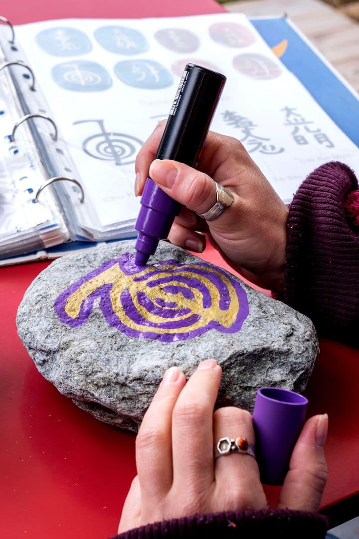 Peindre sur des pierres