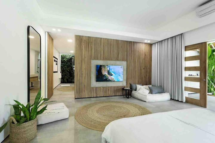 CONTEMPORARY  POOL HOUSE - Seminyak