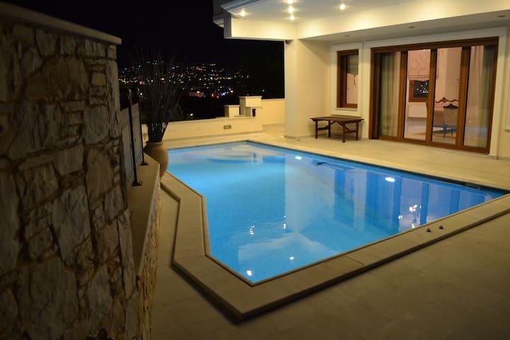 VillaAriadne - Atenas - Casa