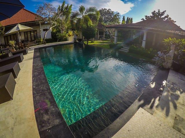 Bingin Garden HomeStay - Delux Room