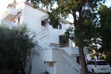 Apartments Lovrić - AP 3 (CB6908-3) - 諾瓦利婭 - 公寓