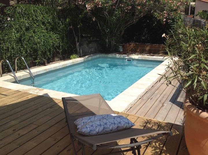 Collioure, villa avec piscine, garage, wifi, clim