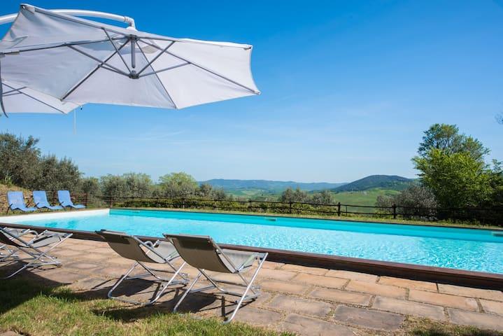 Giulietta Appartamento Nella Campagna Toscana