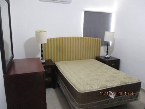 Habitaciones amplias equipadas en casa compartida