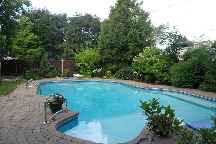 Studio avec piscine -Canard 1-