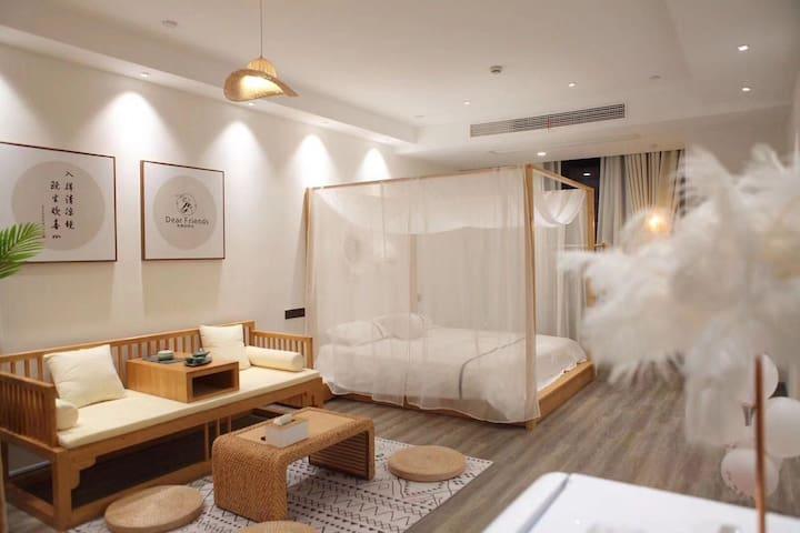 『瑾宿·听竹』/落地阳台浴缸/百寸影院级投影设备/近网红夜市/近高铁美食街