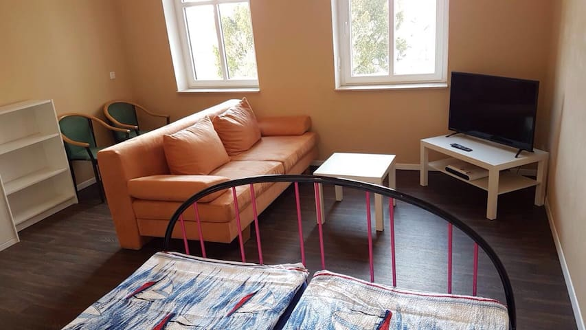 Clean, cozy room for 1-4 guests, in Leipzig! - Leipzig - House