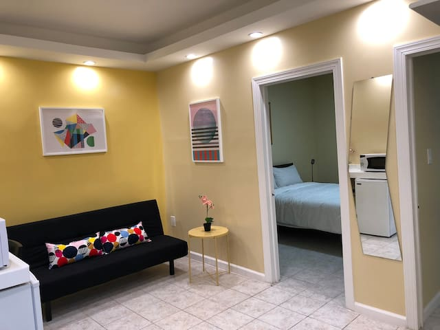 NEW & BEAUTIFUL 2 BEDROOM 20 MINS FROM TIMES SQRE