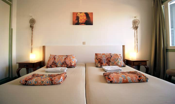 Bob Marley room in city center.Lima Sol House