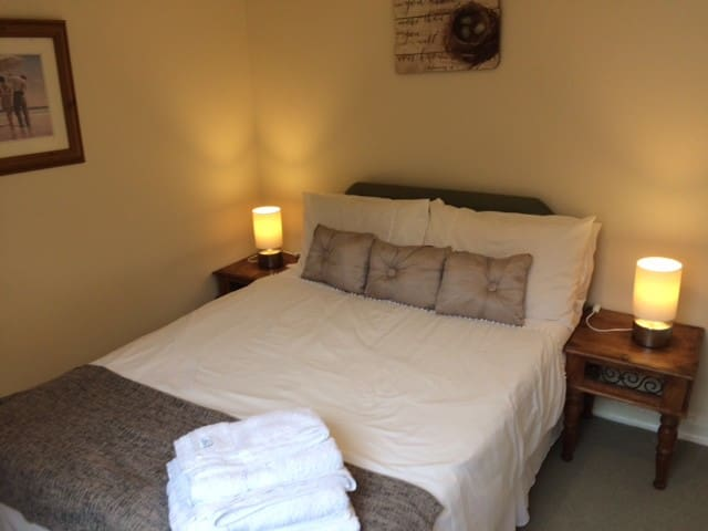 Portland House Double Room with En-Suite