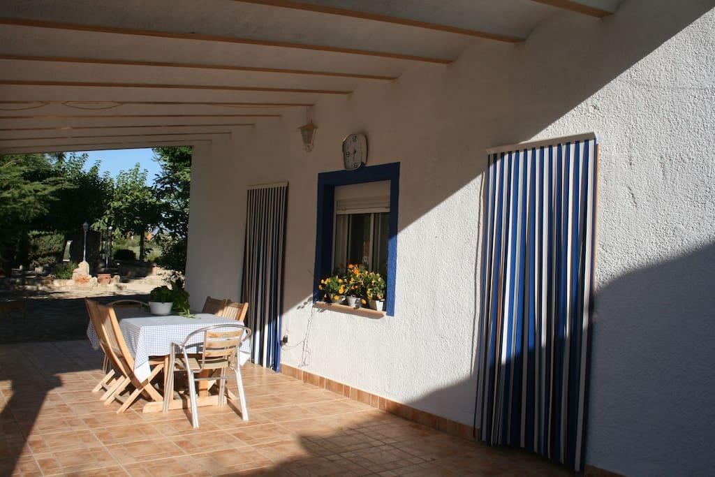 Preciosa casa de campo con piscina de verano chalets for Casas rurales con piscina comunidad valenciana