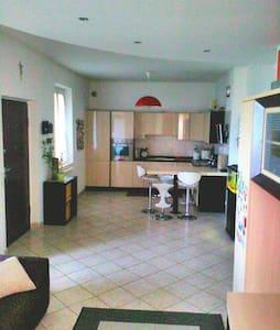 Appartamento in villa a due minuti dalla spiaggia - Porto Potenza Picena - Apartment