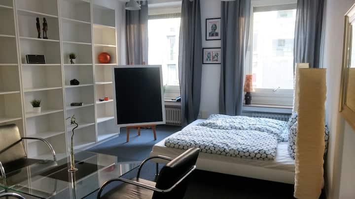 Zimmer Adenauer: sehr zentral & ruhig - Düsseldorf