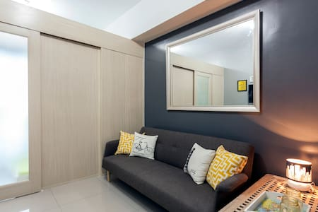 Fully Furnished 1 BR Condo Makati - Condominium