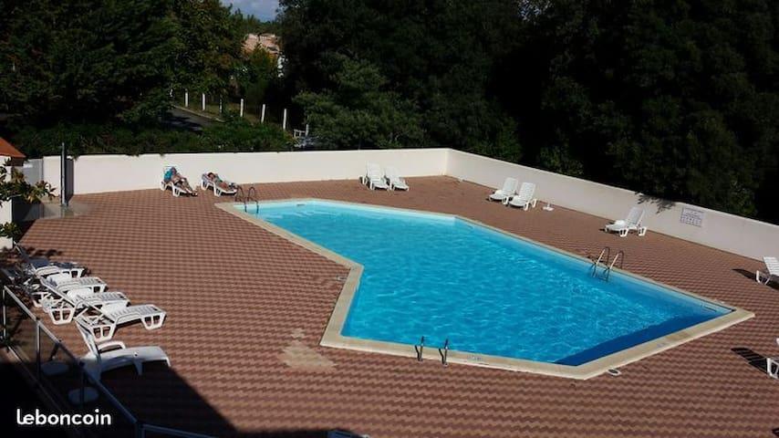 Île d'Oléron,T2, piscine tennis, 800m de la plage