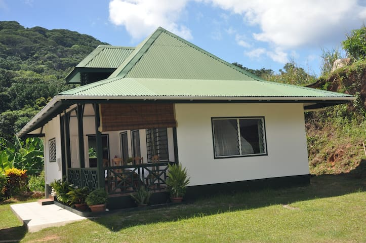 Labelzilwaz Self Catering Room Anse Coco