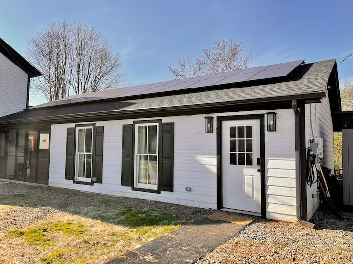 Belmont Carriage House