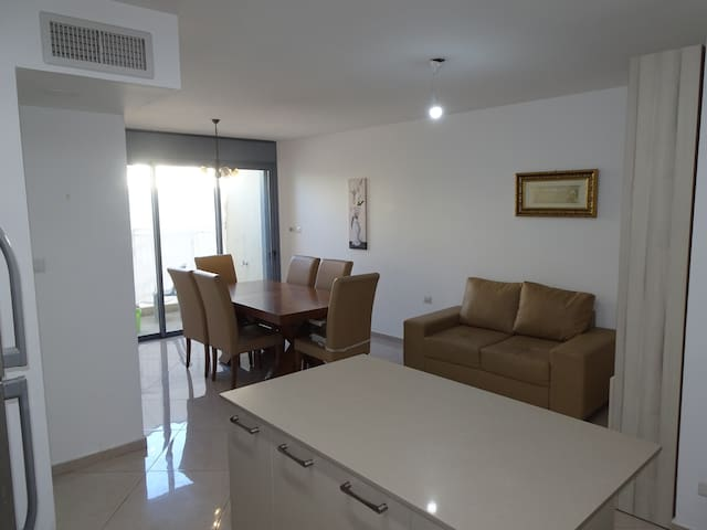 Gorgeous brand new apartment in Romema