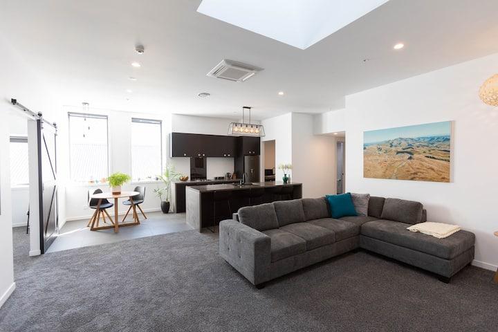 Parkers 2 (1 Bed) - Spacious Napier City Apartment