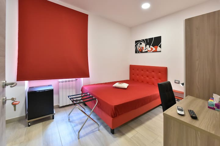 Bedroom Lupin with bathroom, Apartment Roma