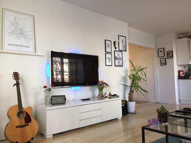 Central, spacious and clean! - Norrköping - Apartament