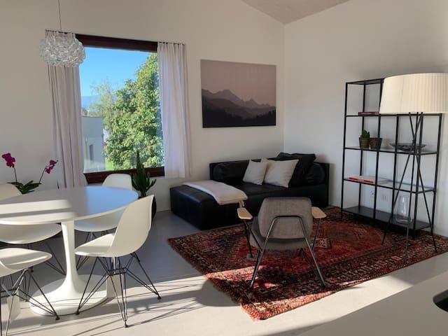 Designerwohnung in Haag mit grandioser Aussicht