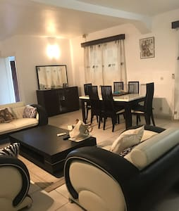 Superbe appartement avec belle piscine