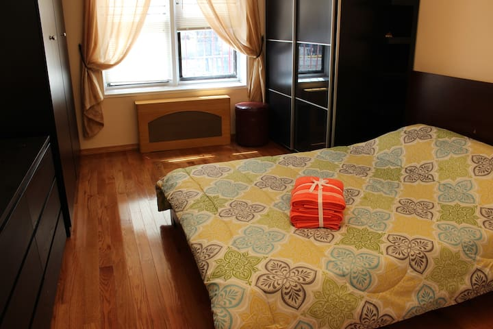Large and elegant room, 2 min from subway station - Brooklyn - Daire