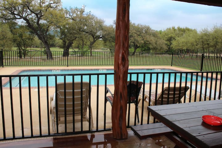 Bunker Cove with Pool Near Frio River